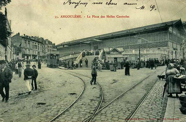 ANGOULEME_Place_des_Halles